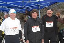 Pravidelní účastníci Mikulášského běhu  v kategorii veteránů – bratři Zdeněk, Ladislav a Josef  Zikmundovi.