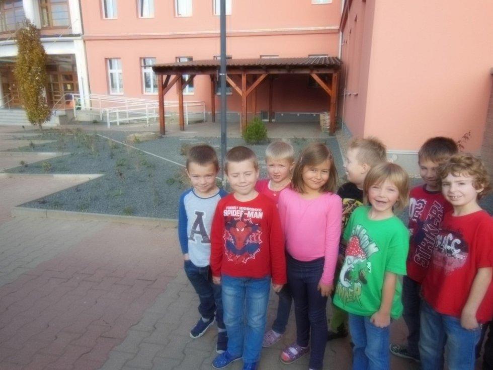 Děti z jičínské ZŠ Poděbradova.