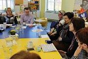 V jičínské knihovně se v pátek uskutečnila konference profesionálních knihovnic, která se zabývala programem v jednotlivých zařízeních v rámci března, měsíce knihy.