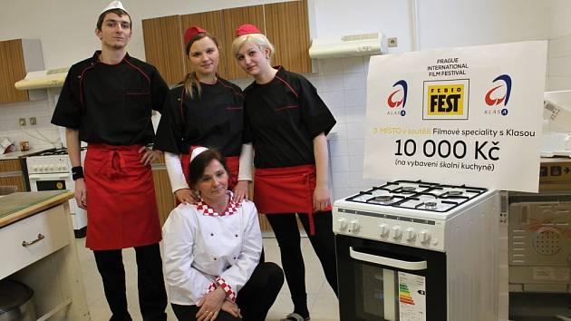 Bělohradští kuchaři mají nový sporák.