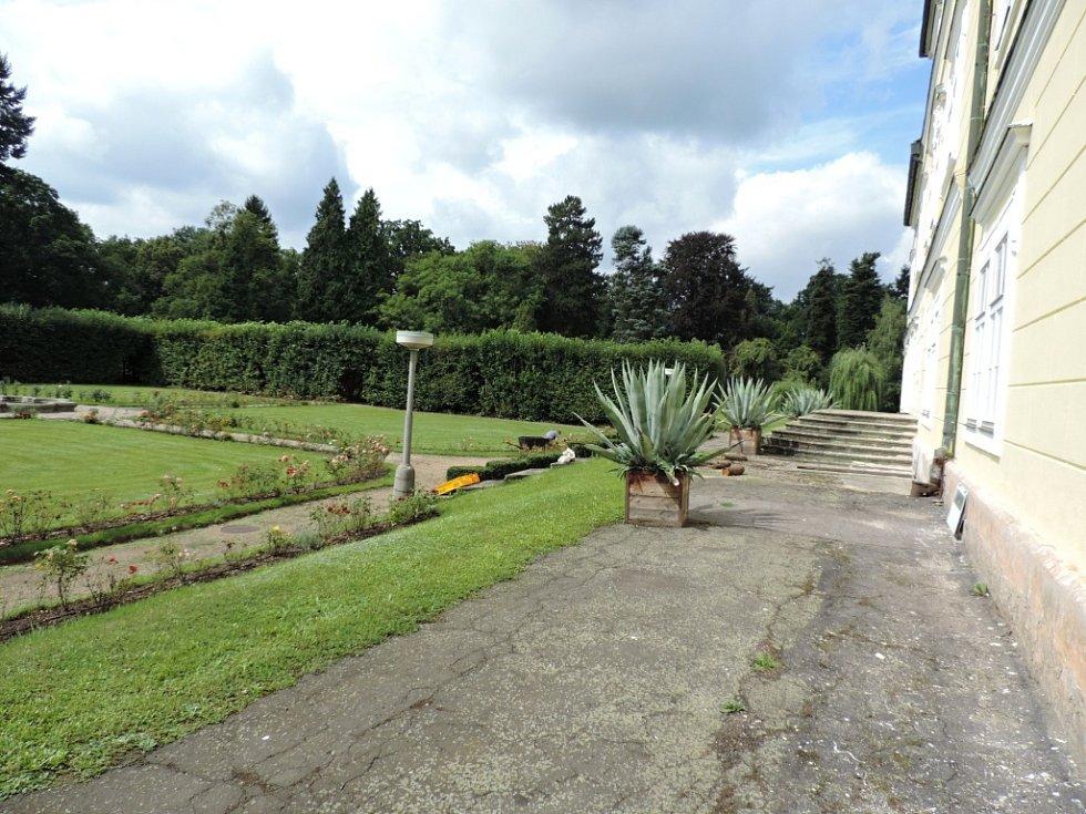 Zahrada miletínského zámku.