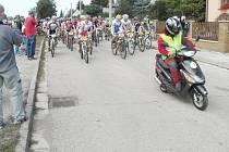 NA TRATĚ vyjelo 160 bikerů. Ti nejúspěšnější potřebovali ke zdolání něco málo přes dvě hodiny.