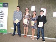 Ocenění studenti - zleva: Luboš Vozdecký, Lucie Brichová, Magdaléna Nešněrová a Martin Buchta.