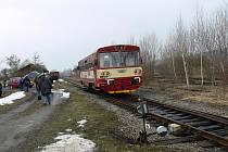 Jeden z posledních víkendových vlakových spojů na Dětenicku.