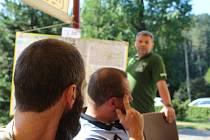 Dobrovolný strážce přírodní rezervace Prachovské skály Miloš Zeman o své činnosti informoval složky, se kterými úzce spolupracuje.