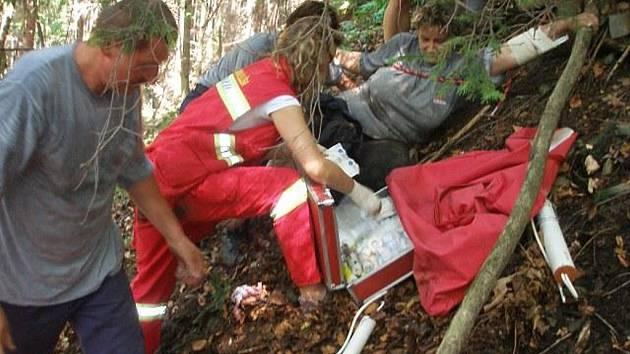 Zachraňování zřícené houbařky