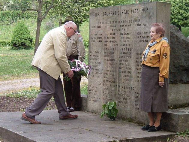 Také v Nové Pace uctili památku padlých.