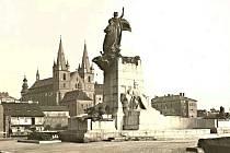 Palackého památník v Praze.