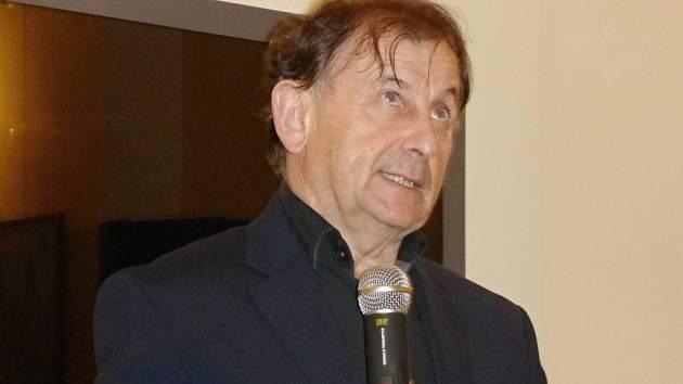 Beseda s Michaelem Žantovským o Václavu Havlovi v Jičíně.
