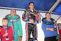 NA NEJVYŠŠÍM STUPNI Václav Fejfar, vyhrál v Přerově. Bylo to již jeho devětadvacáté vítězství v seriálu ME.