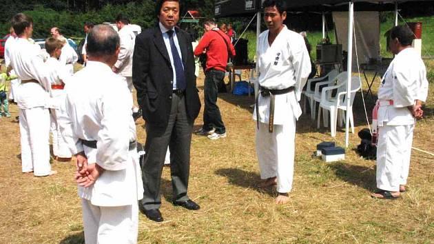JAPONSKÝ VELVYSLANEC TATSUO KAI  podpořil svou účastí mladé karatisty.