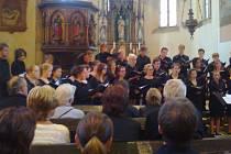 Koncert studentského sboru v kostele sv. Ignáce.