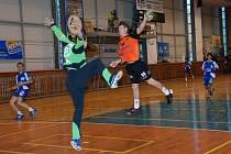 V JIČÍNĚ  zvítězili domácí 28:24 a Kraus skóroval pětkrát, v Třeboni třináctkrát!