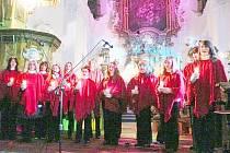 Jeden z koncertů hořické ZUŠky v kostele Narození Panny Marie.