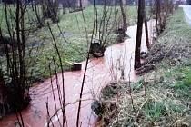 Vydatný déšť plní koryta řek a potoků