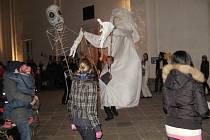 Oslava svátku mrtvých Dia de los Muertos v jičínské lodžii.