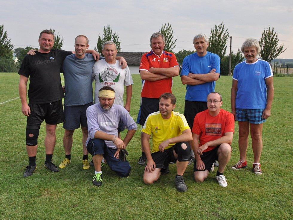 Pouťový turnaj ve fotbale v Chodovicích.