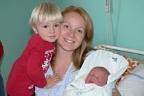 Daniel a Lenka Veselých se společně s dvouletým Eduardem těší z narození malého Albertka, který přišel na svět 19 . října s váhou 3860 g a mírou 51 cm. Doma jsou všichni v Jičíně.