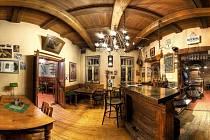 Penzion a restaurace Novopacké sklepy.