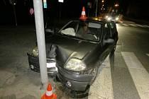 Nehoda renaultu v ulici Pod Koželuhy.