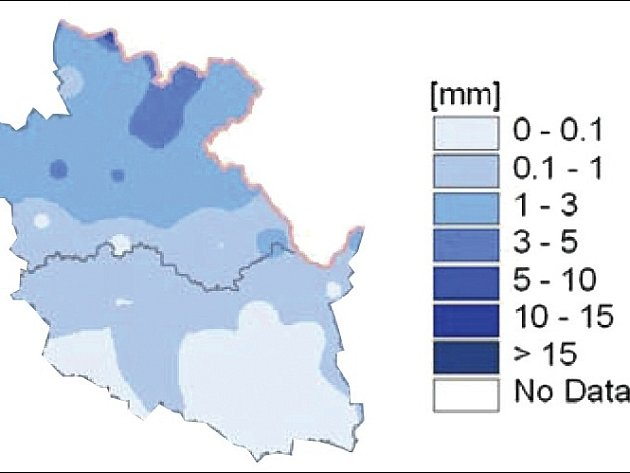 Úhrn srážek ve východních Čechách od 1. do 15. dubna 2007.
