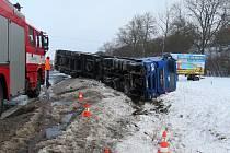 Nehoda kamionu na obchvatu Jičína.
