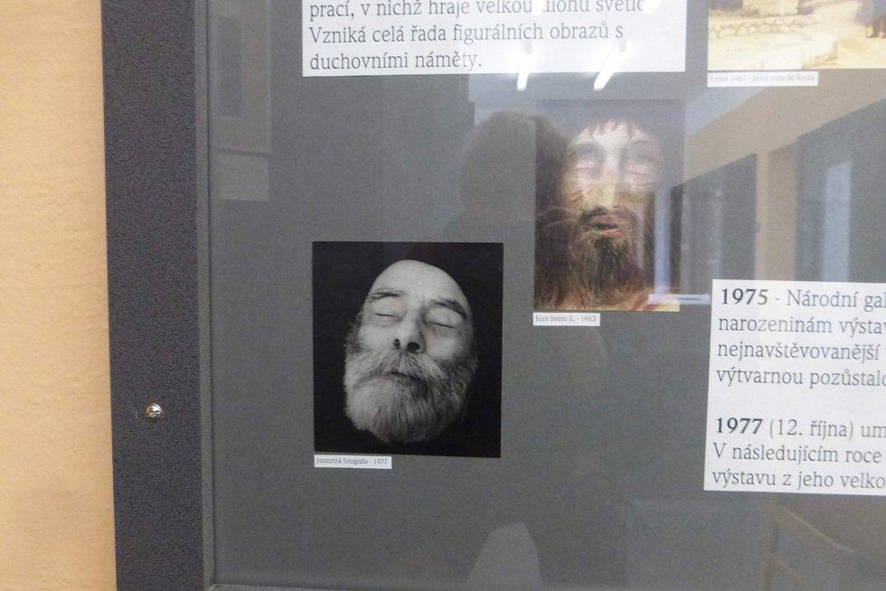 Dlouhá cesta přes Česko za Janem Zrzavým, K. H. Borovským, klášterem a I. M. Jirousem - Magorem.