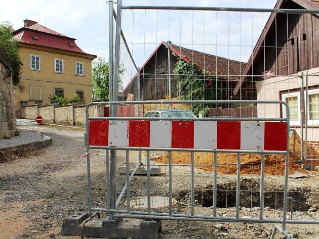 Mimořádný soubor dat zřejmě nabídne nález, který objevili archeologové během stavebních prací v ulici Vackova, kde provádějí archeologický dohled. Zkoumáním se přiblíží obraz života obyvatel Kopidlna a místního přírodního prostředí v době středověku.