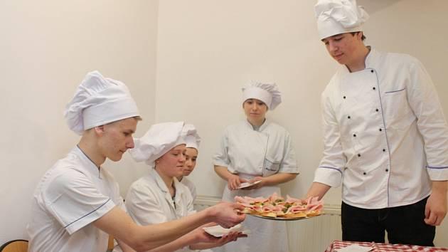 Lomničtí studenti v Polsku.