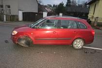 Střet dvou aut na Bělohradsku.