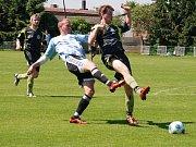 Velmi dobrou úroveň mělo utkání Sokol Libuň - Sokol Chomutice, které skončilo 1:3. Domácí brankář Josef Krouza i přes obdržené tři branky své družstvo podržel.