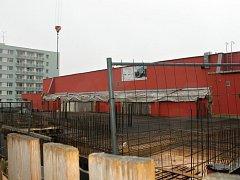 Ze zahájení výstavby bytového domu za jičínskou Bilou.