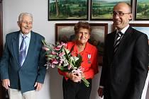 Ocenění Doris Broulové na novopacké radnici.