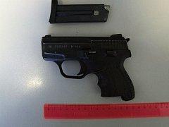 Na Náchodsku byl zadržen muž podezřelý z vyhrůžek střelbou.