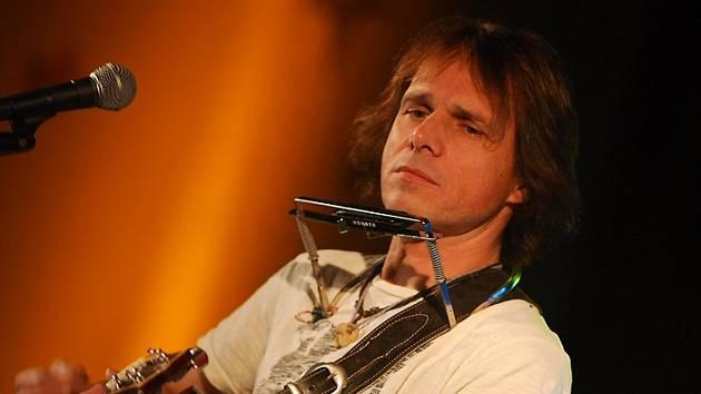 Janek Ledecký.