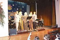 Vánoční koncert Kyzivátovy dechovky v Libáni.