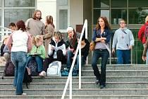 Ilustrační foto - studenti Královéhradecké univerzity.