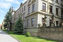 Hořická Střední průmyslová škola kamenická a sochařská.