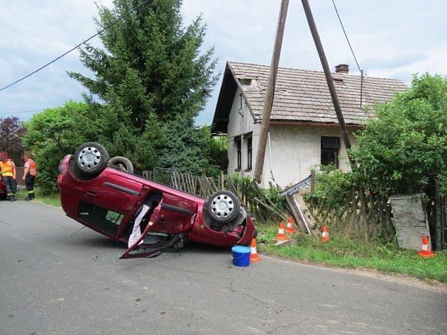 Dopravní nehoda slehkým zraněním