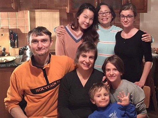 BEE Z THAJSKA přijela do hostitelské rodiny v Jičíně i se svojí maminkou. Naposledy zde byla před šesti lety.