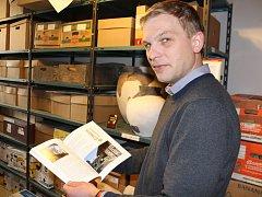 Trochu netradiční kampaň s aktem řediteli muzea Michalu Babíkovi vyšla.