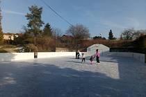 Oblíbený zimní sport si v Hořicích můžete užít kdykoli během dne.