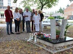 """""""Že rodiny neobdržely ani oficiální omluvu, je polská ostuda,"""" tvrdí Konrad Myślik."""