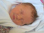 Rozálie Munzarová se narodila 24. března váhou 2,47 kg .S rodiči Veronikou Bubnovou a Tomášem Munzarem budou bydlet v Jičíně.