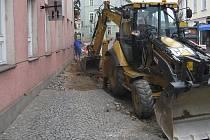 Budování kanalizace v ulici T.G. Masaryka.