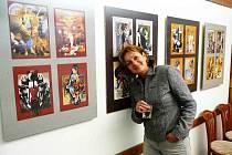 Dana Štěpánová se tvorbě koláží věnuje již dvanáct let. Její tvorba je až do konce týdne vystavena v regionálním muzeu na Masarykově náměstí v Náchodě.