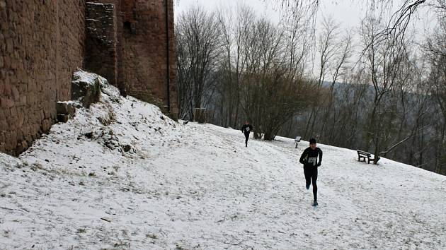 Silvestrovský běh Kryštofa Haranta na Pecce.