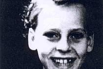 Liese Schwarz v Gõssnitzu v Duryňsku, když jí v roce 1948 bylo devět let.
