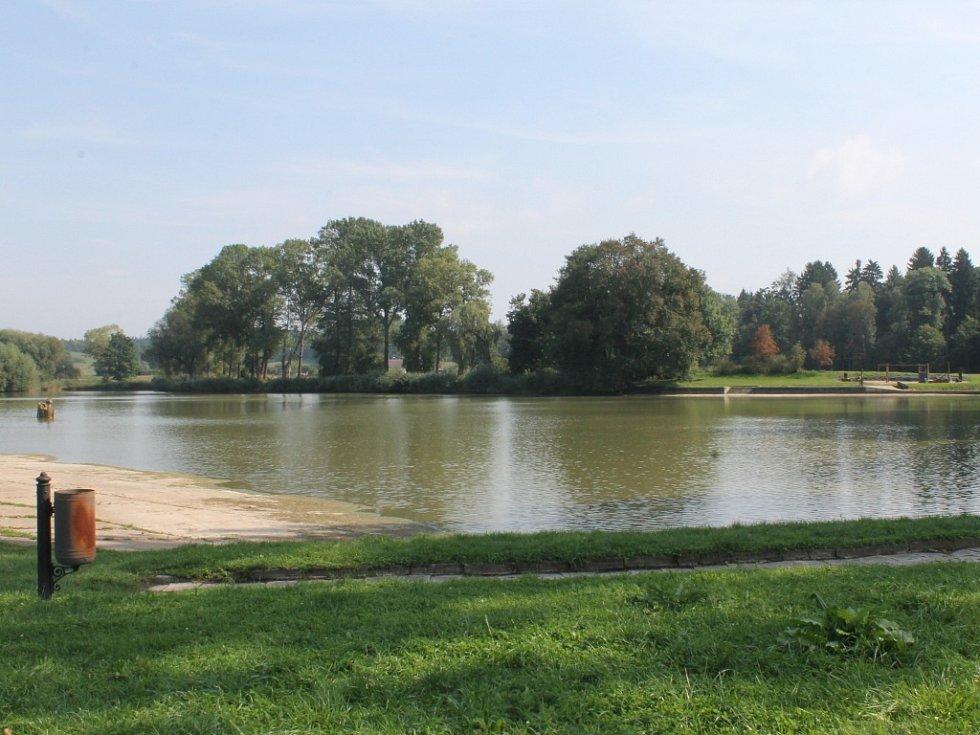 Rybník Pardoubek.