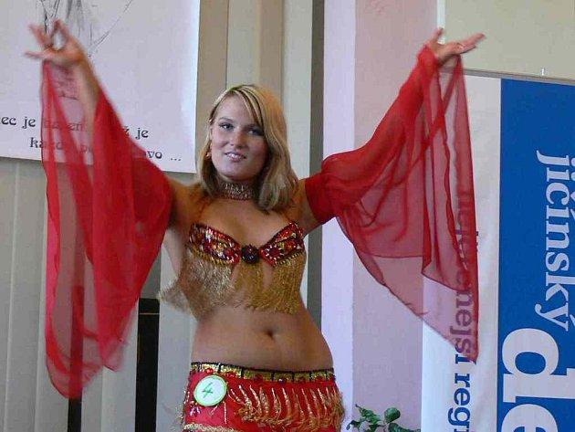 V Jičíně soutěžily břišní tanečnice.